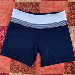 Lululemon groove reversible shorts